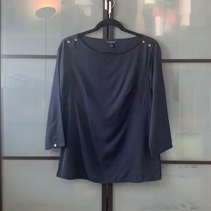 Banana republic 3/4 sleeve top with gold detail
